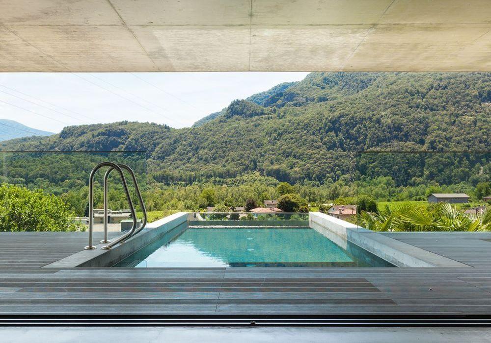Realizzazione piscine a sfioro Brescia