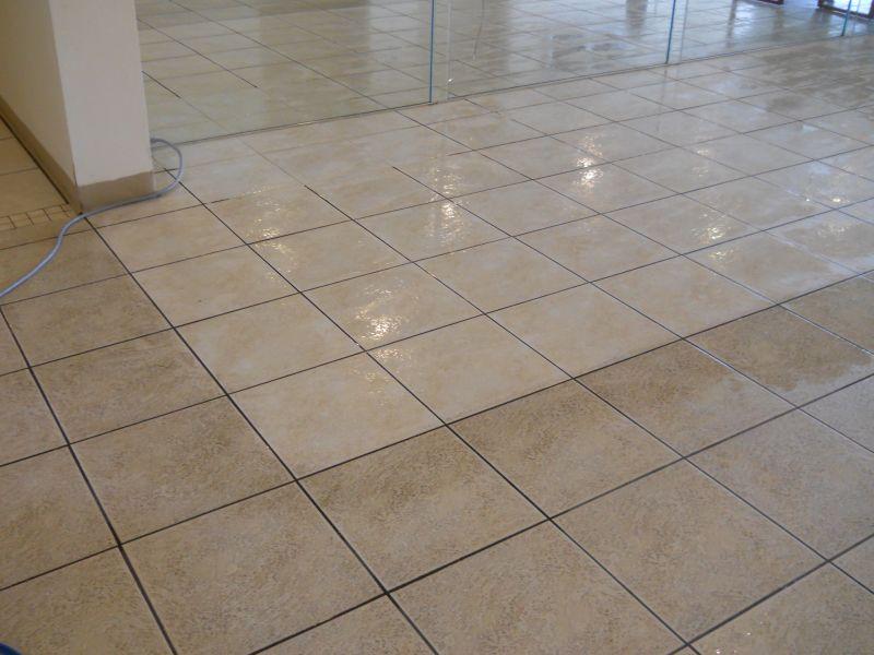 Come pulire e sbiancare le fughe dei pavimenti con o senza ...