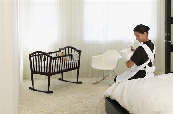 babysitter-biberon-bambino_600x398jpg